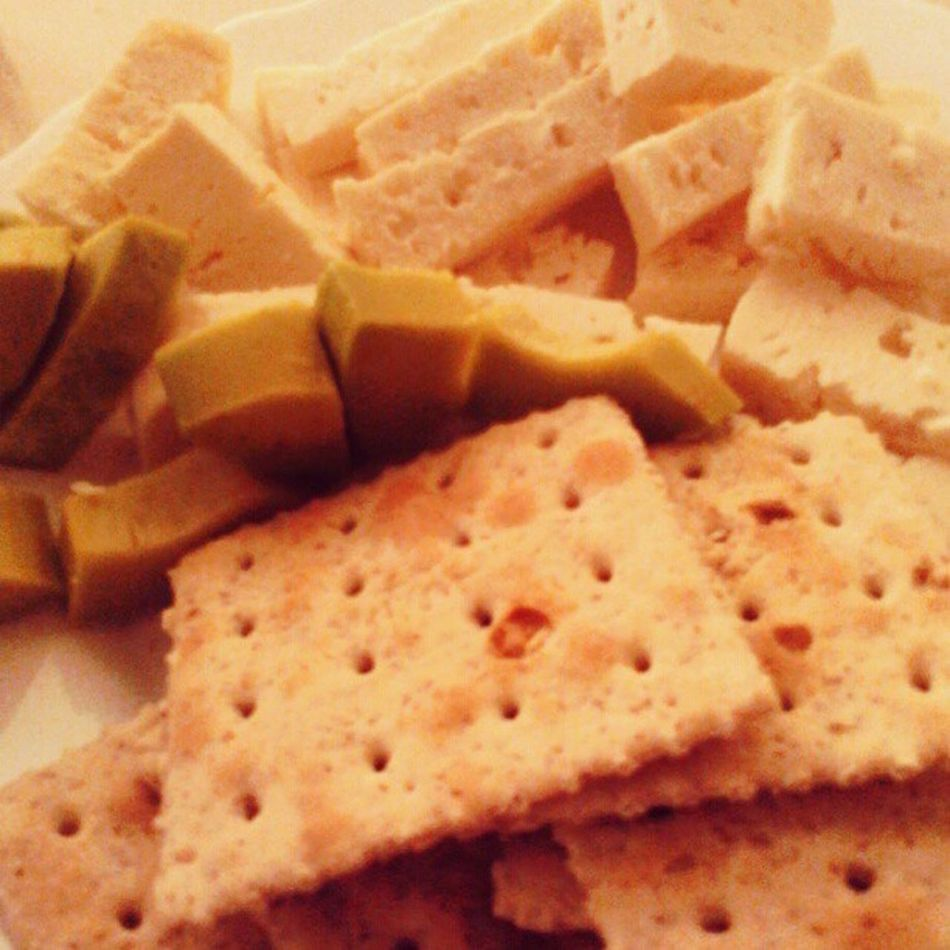 My breakfast Diet Cheese Wheatcrackers ABitOfAvocado Ricura