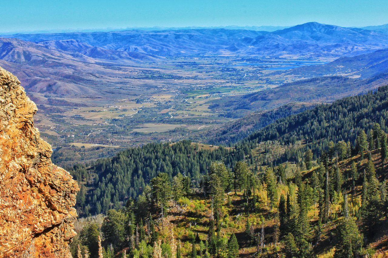 Aerial ᵂᴵᴸᴸᴬᴿᴰ ᴾᴱᴬᴷ ᴾᴵᴺᴱ ᵛᴵᴱᵂ ᴰᴬᴹ ᴵᴺ ᵀᴴᴱ ᴰᴵˢᵀᴬᴺᶜᴱ ᴸᴼᴼᴷᴵᴺᴳ ˢᴼᵁᵀᴴ ᶠᴿᴼᴹ ᵂᴵᴸᴸᴬᴿᴰ ᴾᴱᴬᴷ Landscapes With WhiteWall