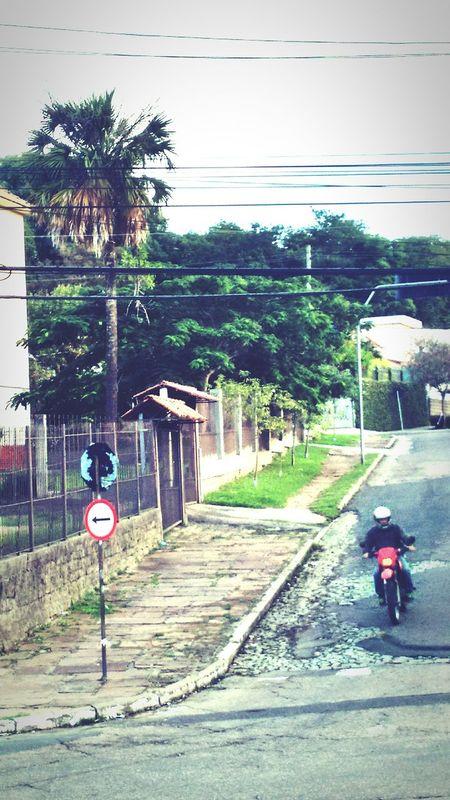 Road Day Motorcycle Outdoors People Sky Road Sign Transportation Porto Alegre-RS Brasil ♥ Ruas Da Cidade The Great Outdoors - 2017 EyeEm Awards City High Angle View Road The Portraitist - 2017 EyeEm Awards Sky The Street Photographer - 2017 EyeEm Awards EyeEmNewHere Neighborhood Map