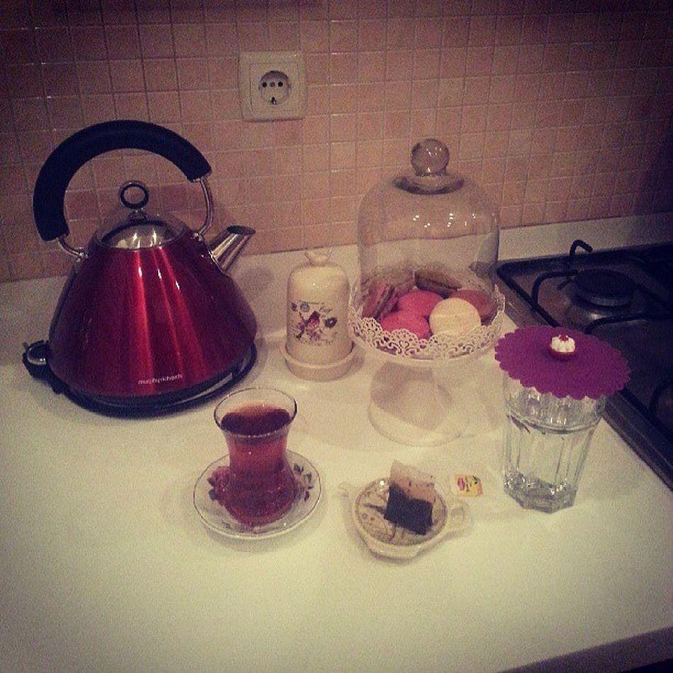 Ütü sonrası dinlenmece <3 Tea Macaron Englishhome Morphyrichards bernardo tantitoni
