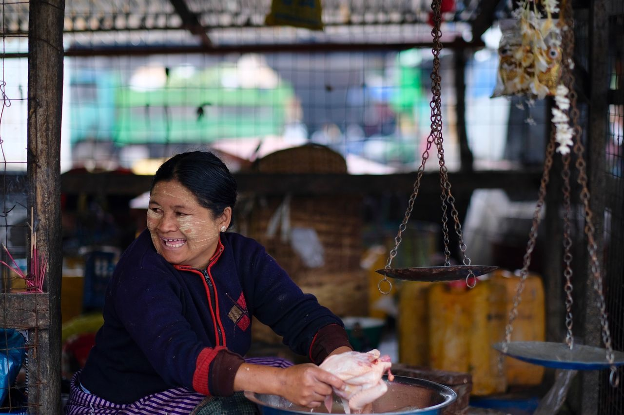 cultures one person Woman face Face Painting Market market stall chicken - bird street photography portrait Business people Adult smile Happy smiling portraiture women around the world Check this out popular photos Travel in Nyaungshwe , myanmar