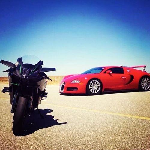 Dream of all automobile lovers...These Two beasts....H2 & Bugatti😍😝😎 Kawasaki Ninja H2 Buggati Veyron Superbike Supercar Lovedit Instamania