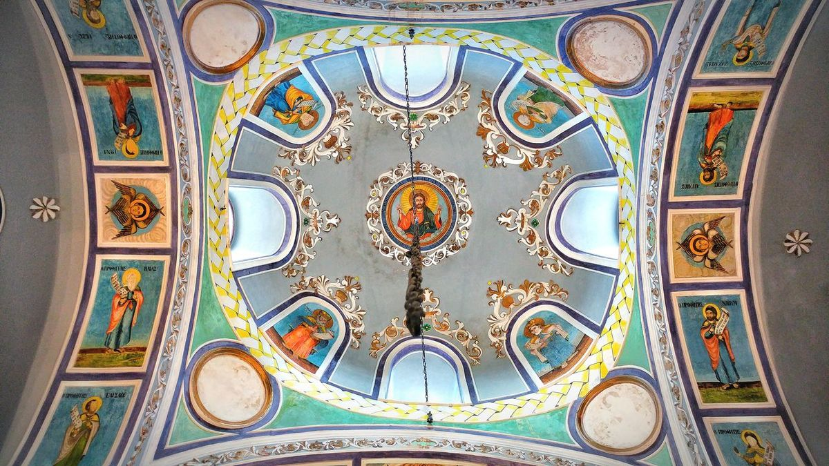 Architecture Place Of Worship Multi Colored Spirituality Backgrounds Low Angle View Architectural Design Catholic Cathedral The Great Outdoors - 2017 EyeEm Awards The Architect - 2017 EyeEm Awards Built Structure Ceiling Art And Craft Travel Destinations Sille Ayaelenia Church Pattern EyeEm Best Shots Jesus Turkey Indoors  Ornate Tarihimekan