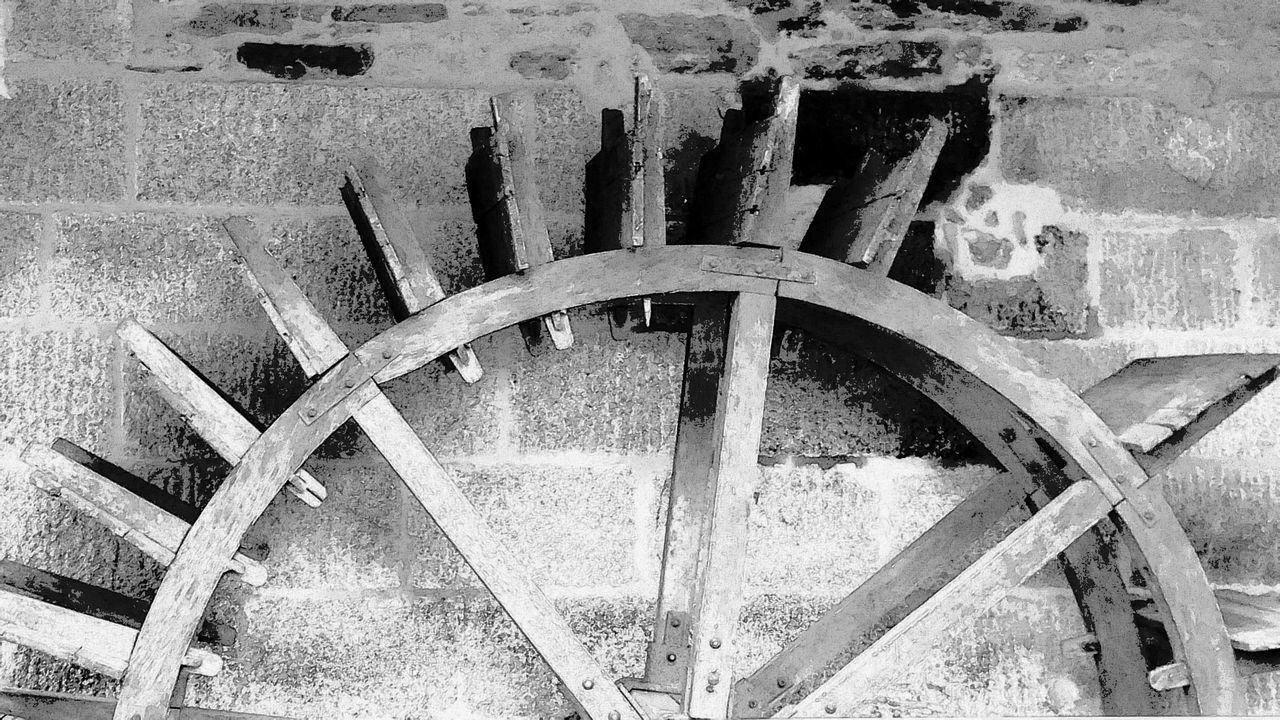 water wheel, watermill, wheel, no people, old-fashioned, day, spoke, outdoors, gear, close-up