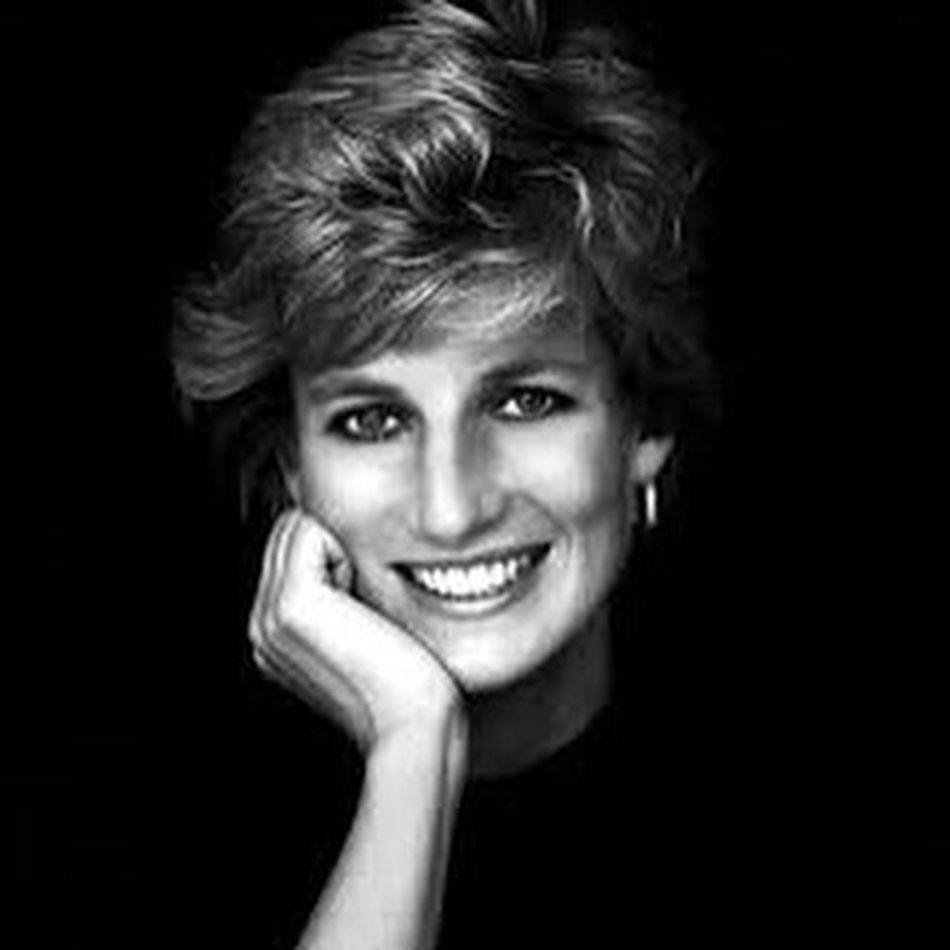 ❤️🌹👸🏼 She... Forever... 🌹❤️ Princessdiana Princessdianaforever Princessofwales Peoplesprincess icon uk queenofhearts instagood theroyalfamily thebritishroyalfamily thebritishmonarchy kensingtonpalace instaroyal foreveryoung fashionicon candleinthewind tribute unforgettable (1997-2015)