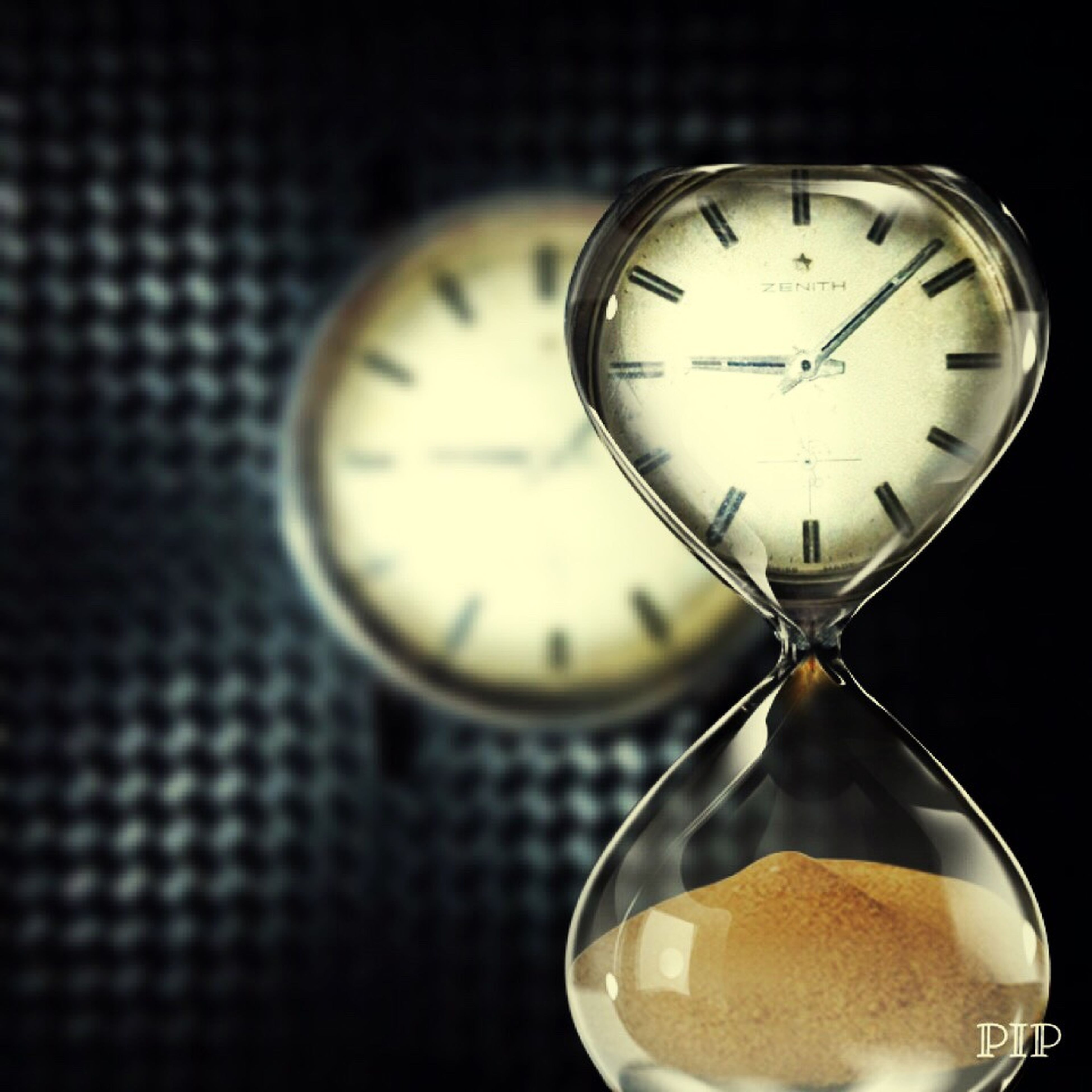 time, clock, instrument of time, accuracy, clock face, minute hand, roman numeral, hour hand, deadline, no people, close-up, antique, countdown, hourglass, watch, old-fashioned, alarm clock, indoors, midnight, day