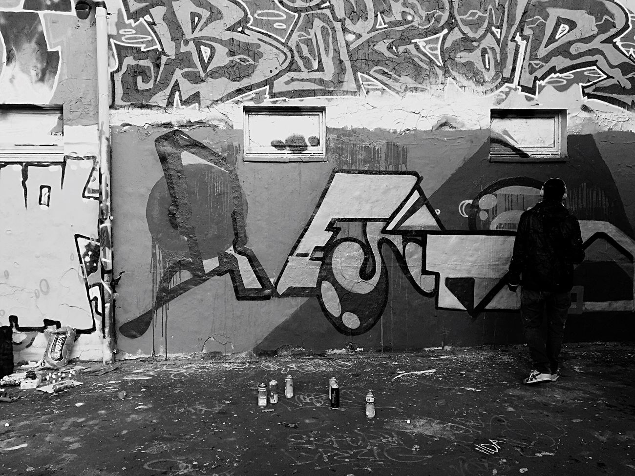 Tag Tagging Graffiti Art Caught In The Moment Act Spraypaint Paint Wall Art