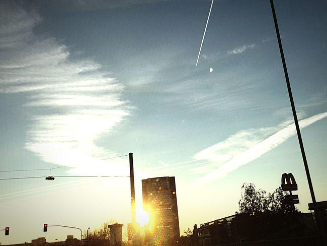 Sunrise Duesseldorf Düsseldorf Skyporn Clouds And Sky Cloudporn Motorway Sunset