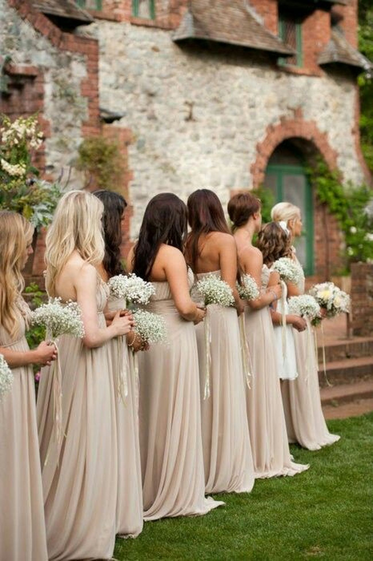 Togetherness Couple - Relationship Bonding Love Bride Side View Leisure Activity Focus On Foreground Married Groom Outdoors Photography Amazing Inspired Amazing_captures Fashion Wedding Faces Of EyeEm Beautiful People Model Portrait Flowers Long Hair Girls Day