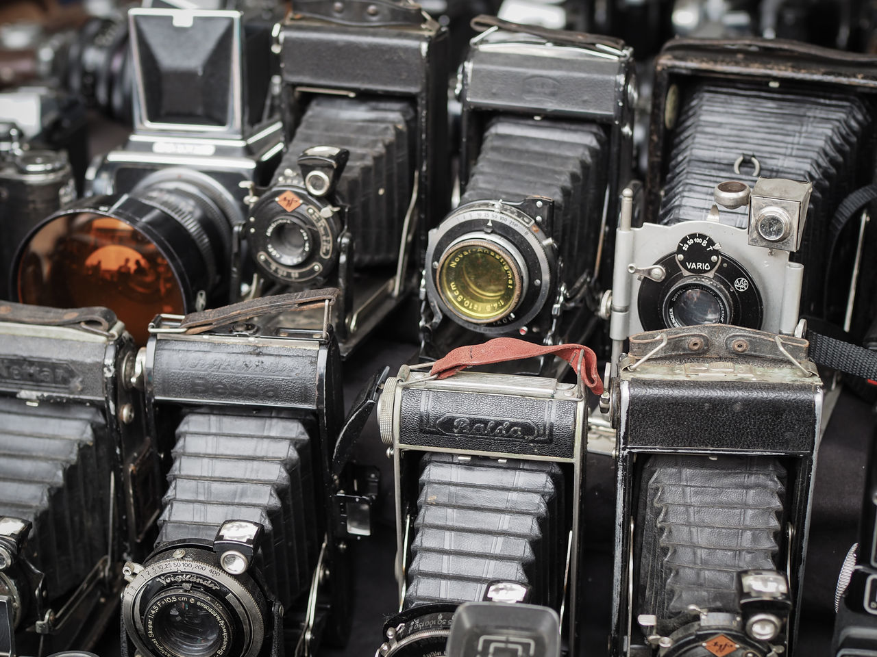 Abundance Antique Arrangement Backgrounds Cameras Close-up Day Equipment Fleemarket Fleemarket Bargains Full Frame In A Row Large Group Of Objects Machine Part Machinery No People Old Old-fashioned Repetition Retro Styled Stationary Still Life The Past Variation Vintage