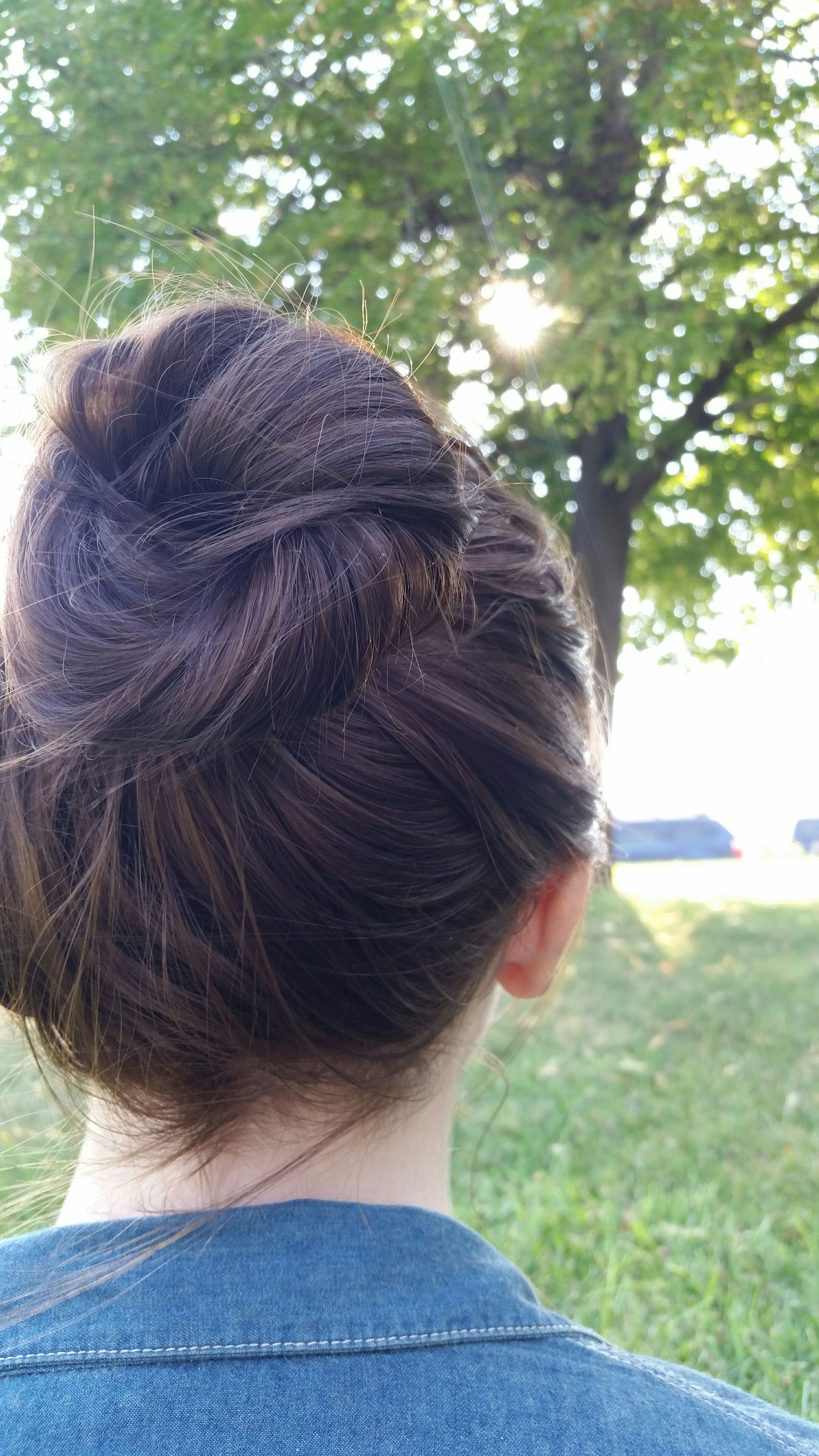 rear view, one person, real people, day, outdoors, headshot, tree, women, childhood, close-up, nature, people