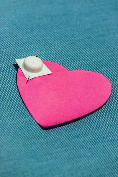 Drug pill on heart shaped note Chemicals Doctor  Drug Healthcare Hello World Hospital Medicine SUPPORT Valentine's Day  Blue Close-up Cure Curing Feelings Health Heart Human Lifestyles No People Pink Color Prevention Psychological Psychology