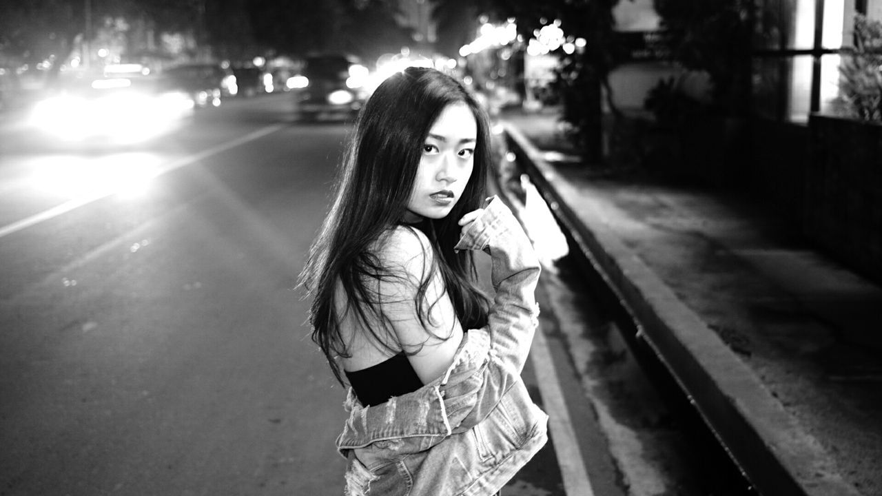 https://www.instagram.com/jonatsdonats/ Streetphotography Blackandwhite Monochrome_life Eyeem Philippines The Portraitist - 2016 EyeEm Awards The Street Photographer - 2016 EyeEm Awards Black & White Streetphoto_bw Black And White Portrait Shadowmaster