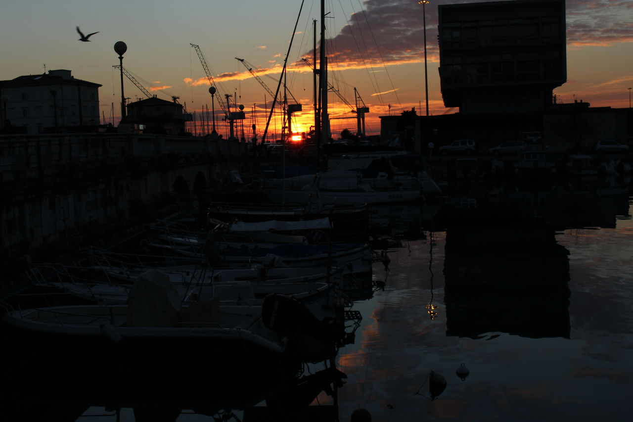 tramonto Colors Black And White Nature Nature_collection Light Light And Shadow Sunshine Sunrise Sunset Livorno Disperazione My Student Life Livorno Italien  Porto Sea Sea And Sky Seaside