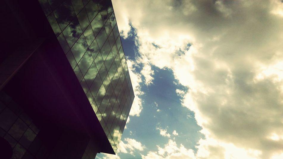 Skyline Reflection Cloudporn
