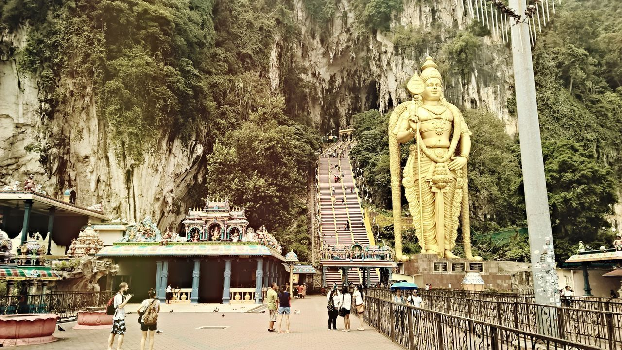 Batu Caves, Kuala Lumpur, Malaysia Hanging Out Taking Photos Check This Out Hello World Relaxing Hi! Enjoying Life Batucave Batu Caves Malaysia Kualalumpur Lumia1520