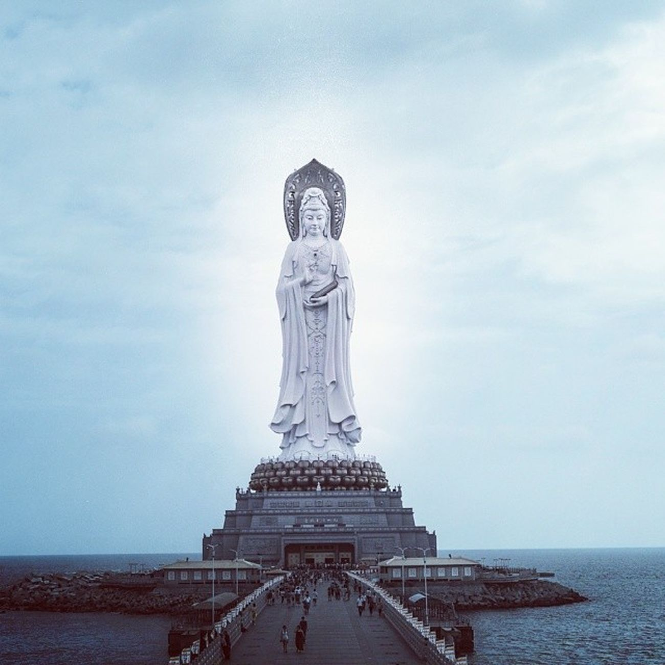 观音 Buddha Sea Tall sanya hainan sculpture pray sky open care stand south