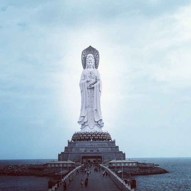 观音 Buddha Sea Tall sanya hainan sculpture pray sky open care stand south