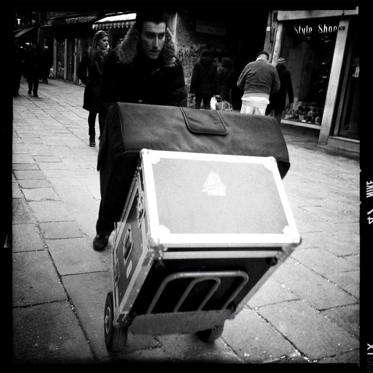 streetphotography at Venezia AO DLX Film No Flash Streetphotography