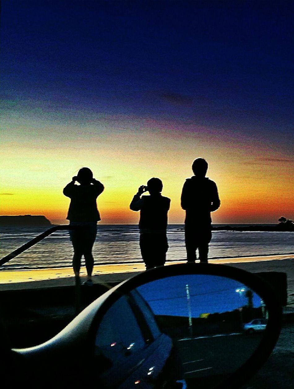 People Watching Sunset_collection Enjoying The Sunset Beautiful Sky Beachphotography Twilight Sky