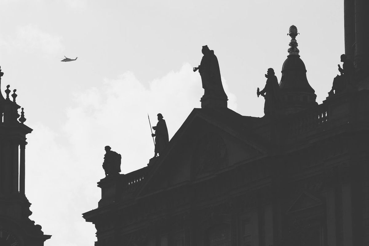 Fade Helicopter Statues Outline St Pauls Cathedral London Check This Out Monochrome Blackandwhite