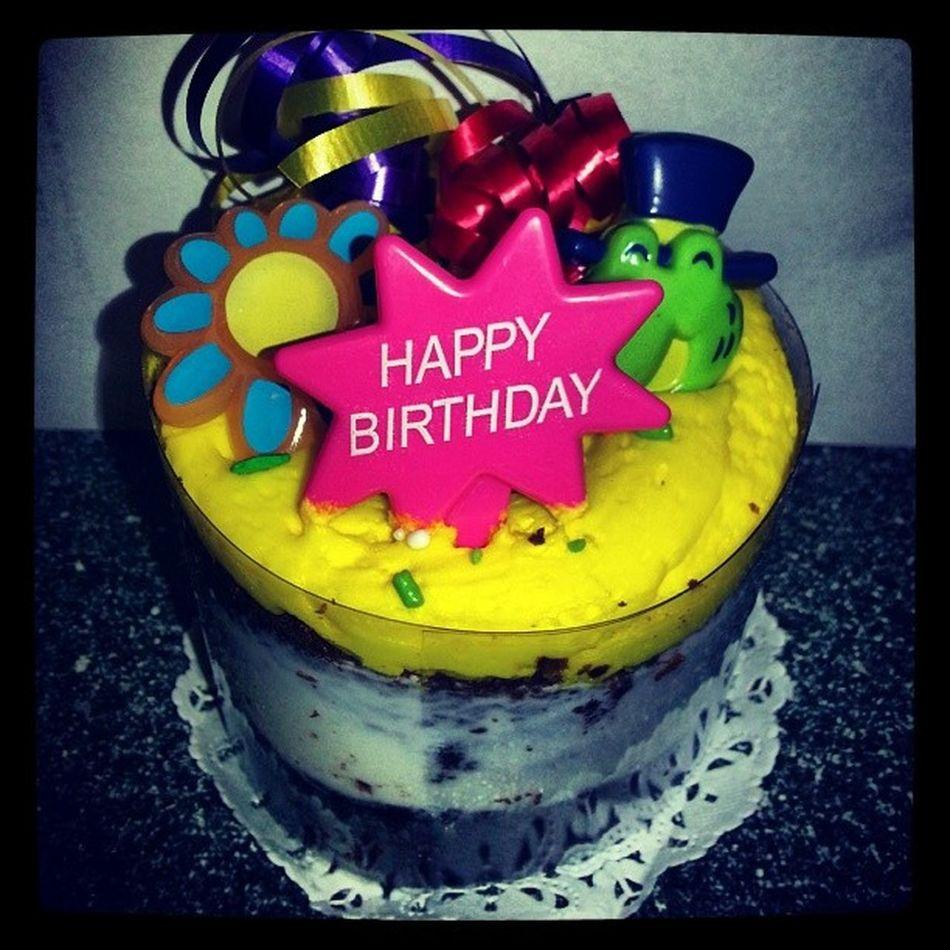My baby birthday cake mom brought me to work Birthday 25 Work Lunchbreak quartercentury cake yummy