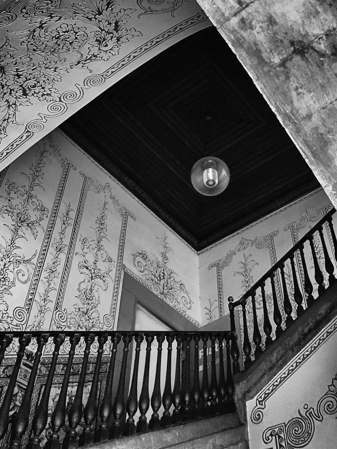 77 / 365 Architecture Architecture Blackandwhite Bnw_rose Built Structure Ceiling Design Frames Geometric Shape Geometry Indoors  Lightbulb Low Angle View Noir_shots Noiretblanc Stairs Tonality Transfer_visions_bnw