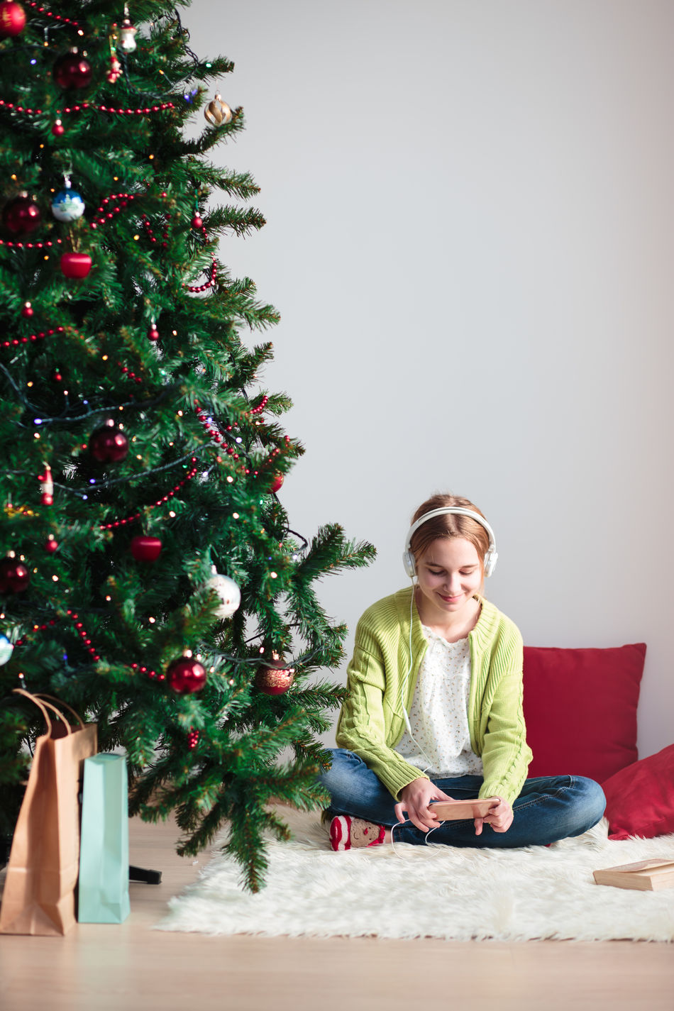 Beautiful stock photos of weihnachtsbaum,  12-13 Years,  Blanket,  Blond Hair,  Casual Clothing
