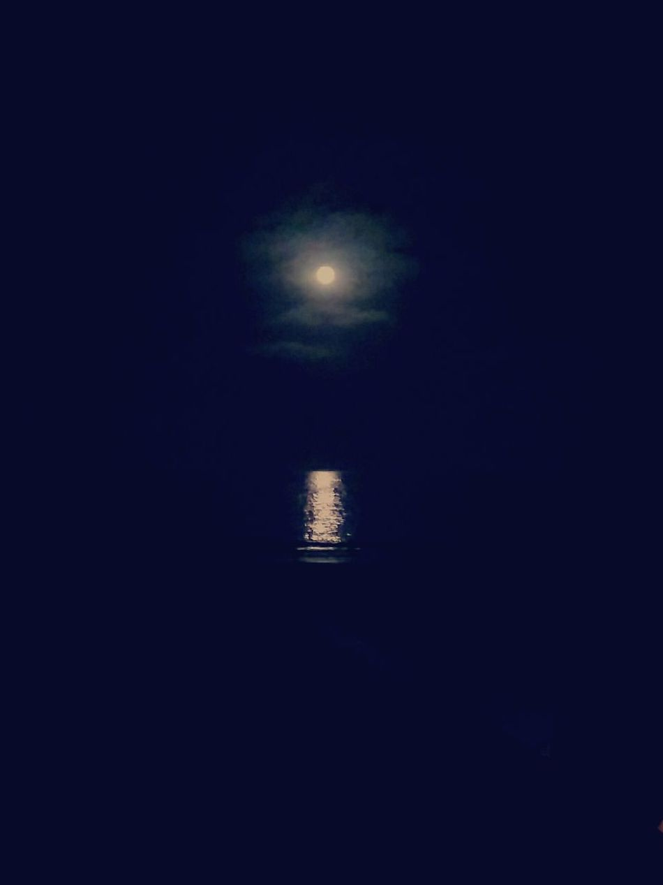 The Moon Themoon Moon Moonlight Moonlight Beach Moonlight ♥ Fullmoon Full Moon Full Moon 🌕 Ocean Theocean The Ocean Night Photography Nightphotography The Beach At Night Nightshot Night Sky Moonlit Beach Moonlit Sea Moonlit At Night AtNight Themoononthebeach The Moon Above Looking Up