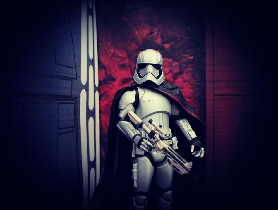 Normally I use Black Series figures and I feel somewhat dirty using a Disney Elite, but I do love this figure. I am without my main phone and this picture looks pretty good on the laptop, but doesn't look that great on this phone when I try to upload it, so I hope the picture quality comes through ok. Picture shot using Canon EOS 700D. Starwarsfigures Starwarstoys Starwarstoypix Starwarstoyfigs Starwarstoyphotography Captain Phasma ForceAwakens Toyunion Toyphotography