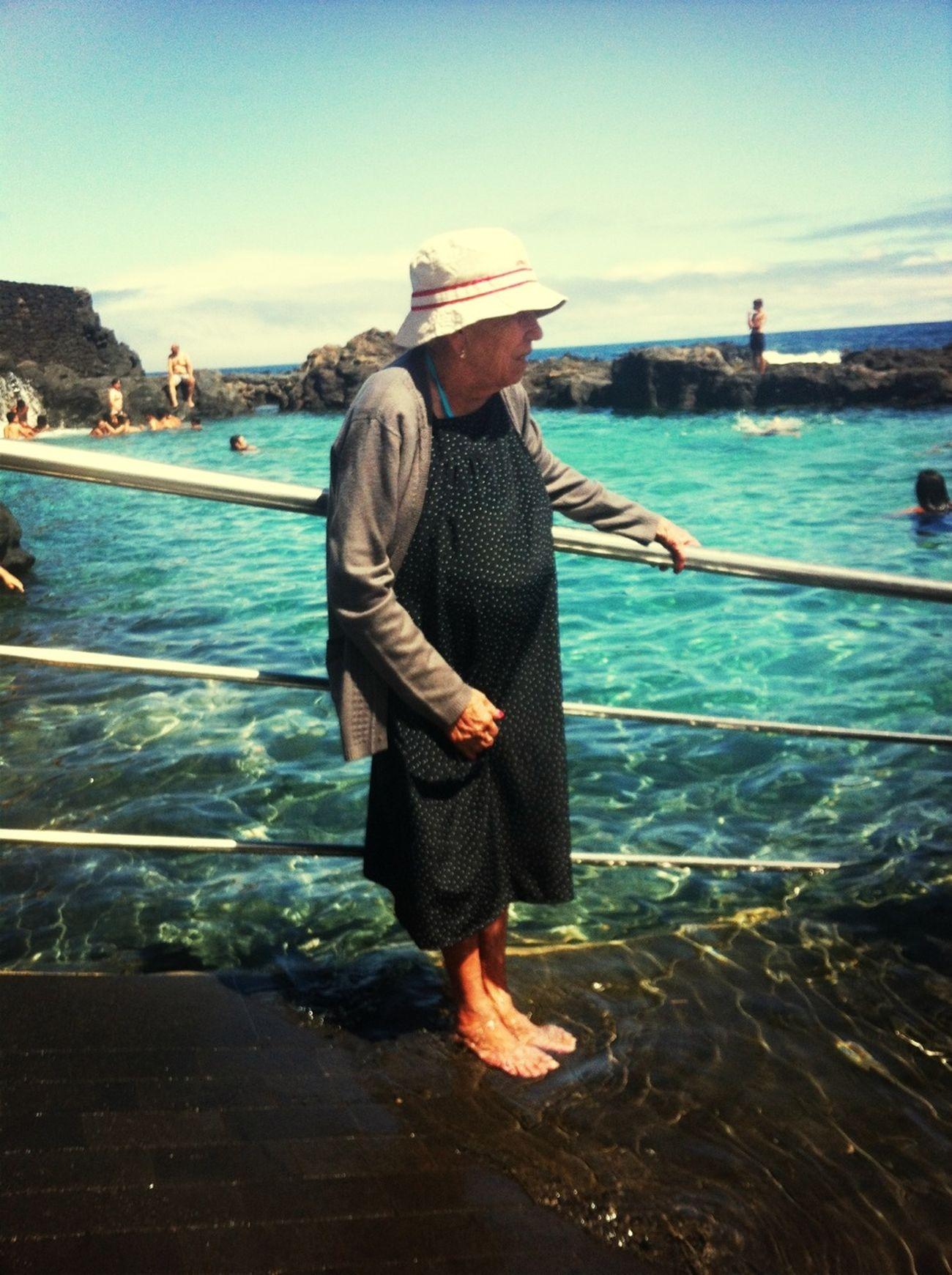 """97 years old... """"Cuando eramos niños los viejos tenian 30,un charco era un oceano"""" Benedetti Vejez Happiness Felicidad"""