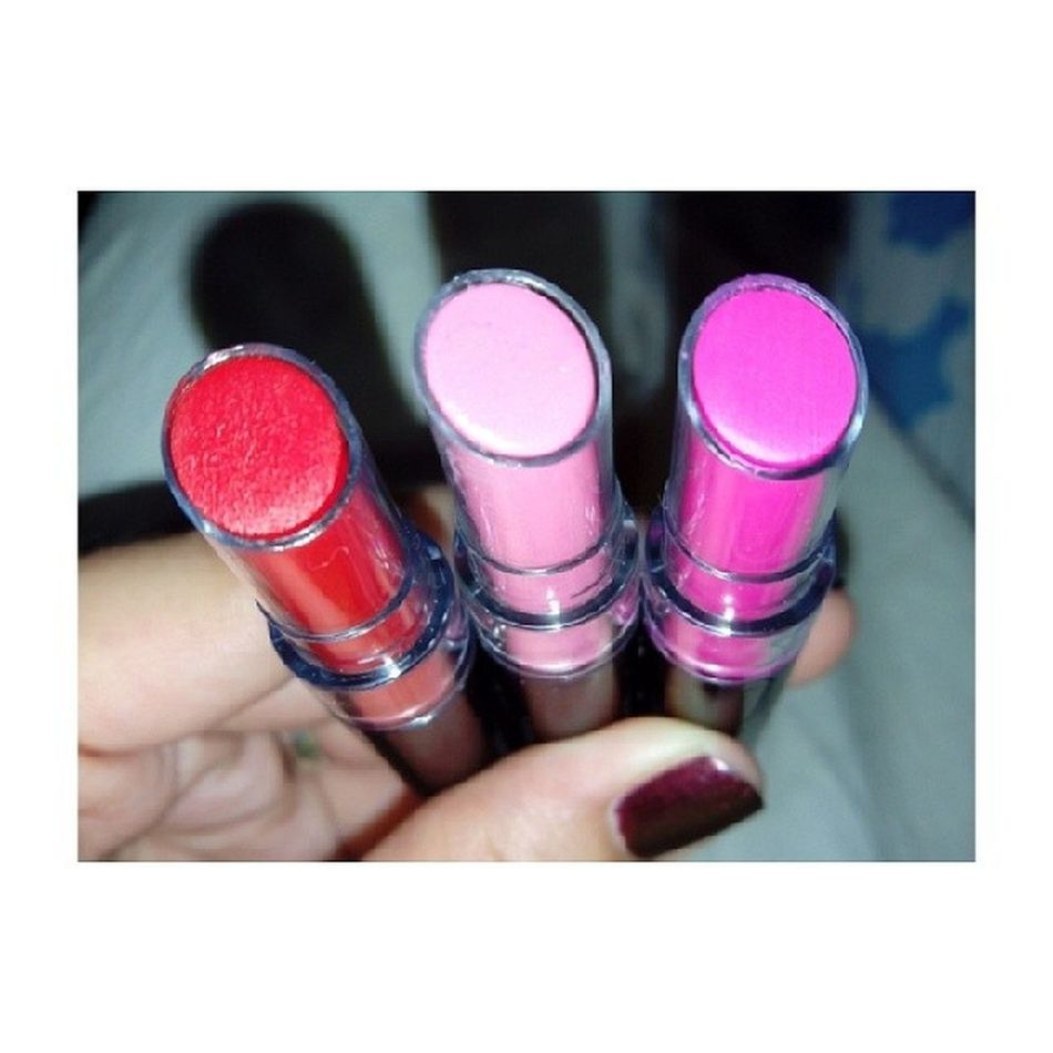 Another lippies on my hand! ??? Happiness Lipsticklover Collection Colorsmademehappy queenbee boudoirpink headturner shades great happykiddo girlstuff ThreeDifferentShadesOfMe