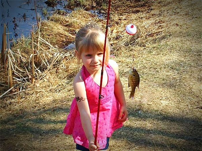 My daughters first fish when she was 2years old, about 7 years ago now. Mylittlegirl MyHeart&SouL Taking Photos Check This Out Enjoying Life Fishing Snapshots Of Life