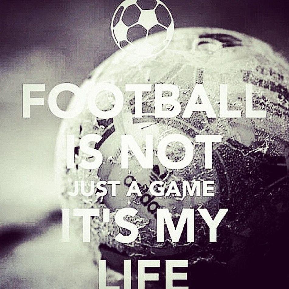 Football is my LIFE I♥UFootbal