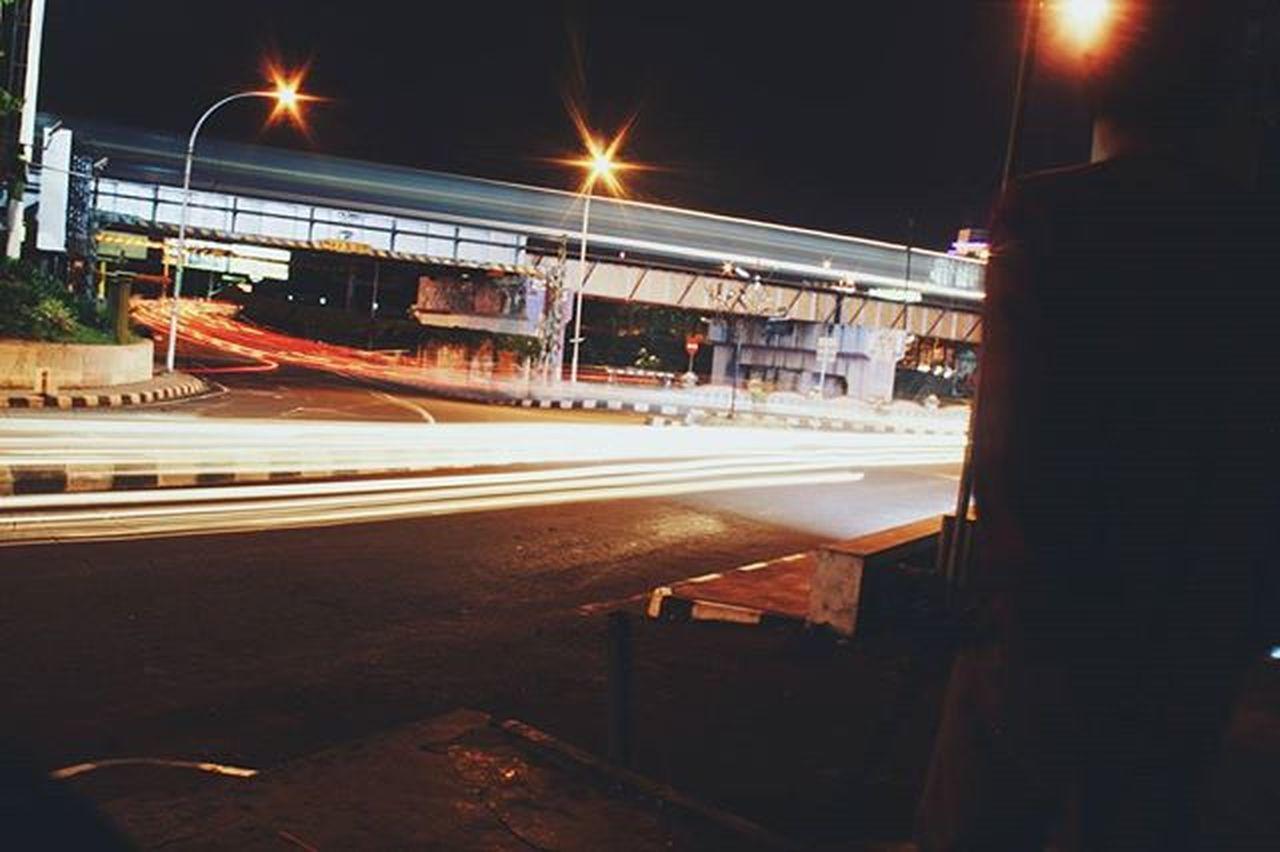 """Pesona jalan jogja malam hari "" . . . Hastag : Vscocam Yogyakarta Urbanandstreet Potretjogja Pesonajogja Detailjogja Jogjalan Adventurejogja StreetActivity"