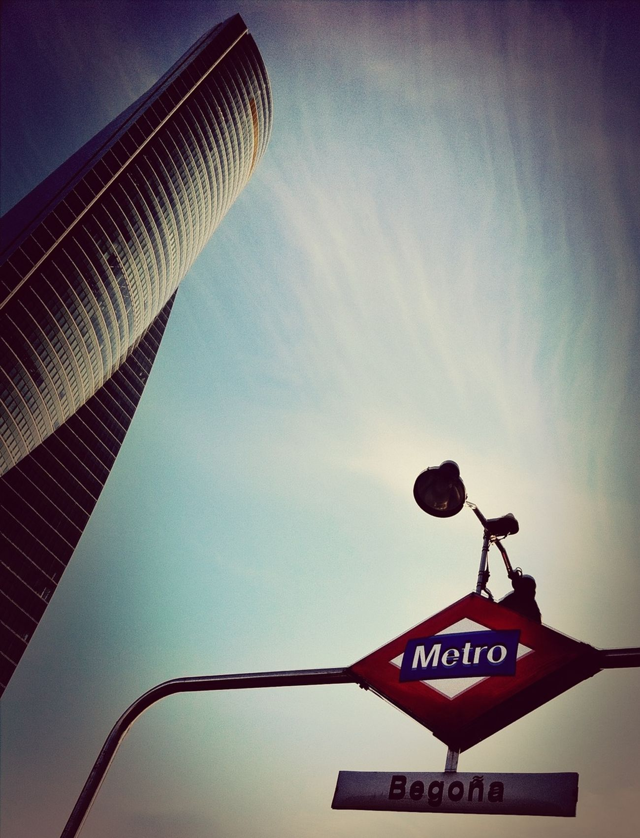 Al Salir Del Metro