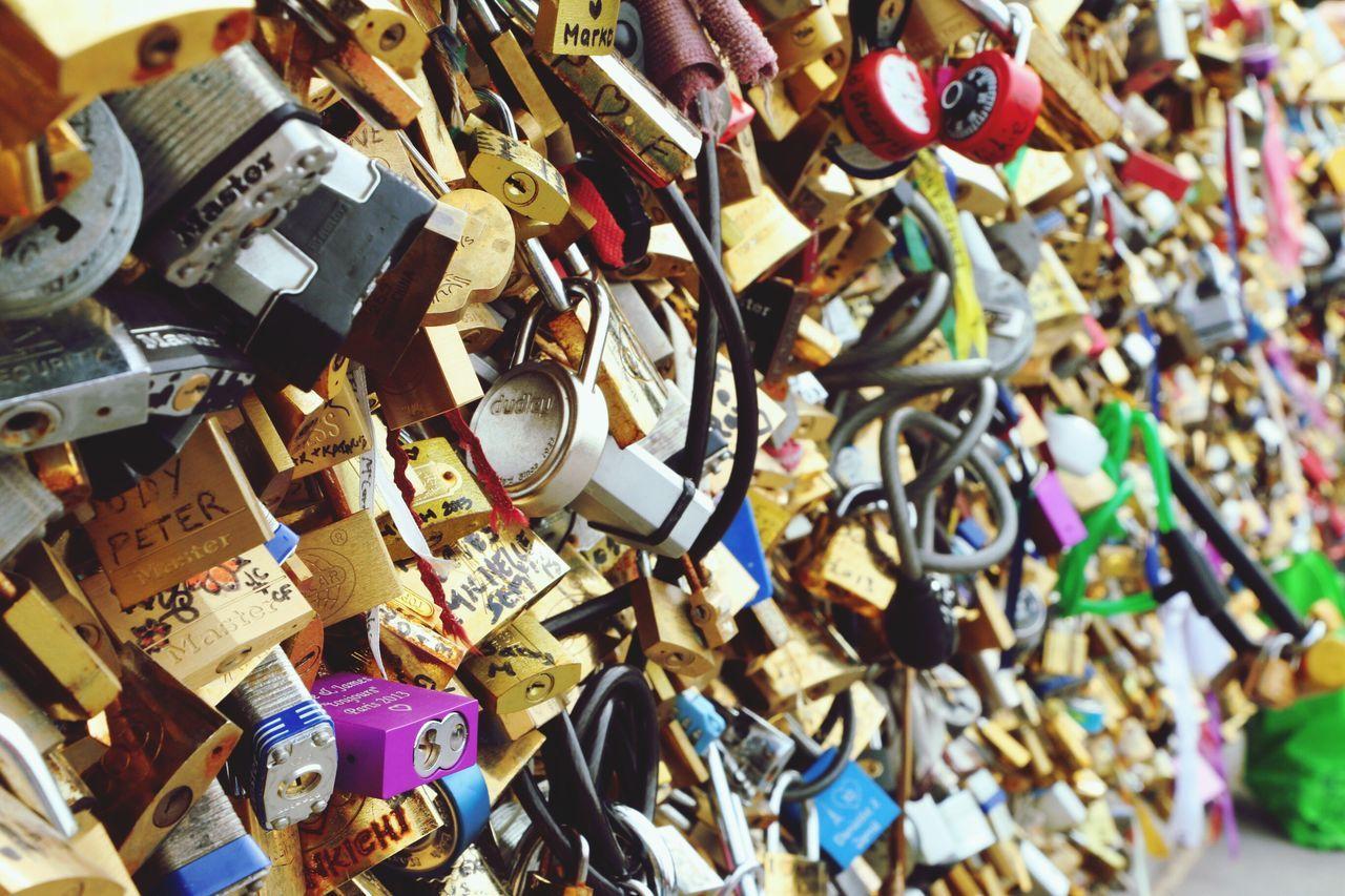 Pont Des Arts Pedestrian Bridge Paris ❤ The Locks Of Love Bridge Love Lock Love Close-up Hope Peace ✌