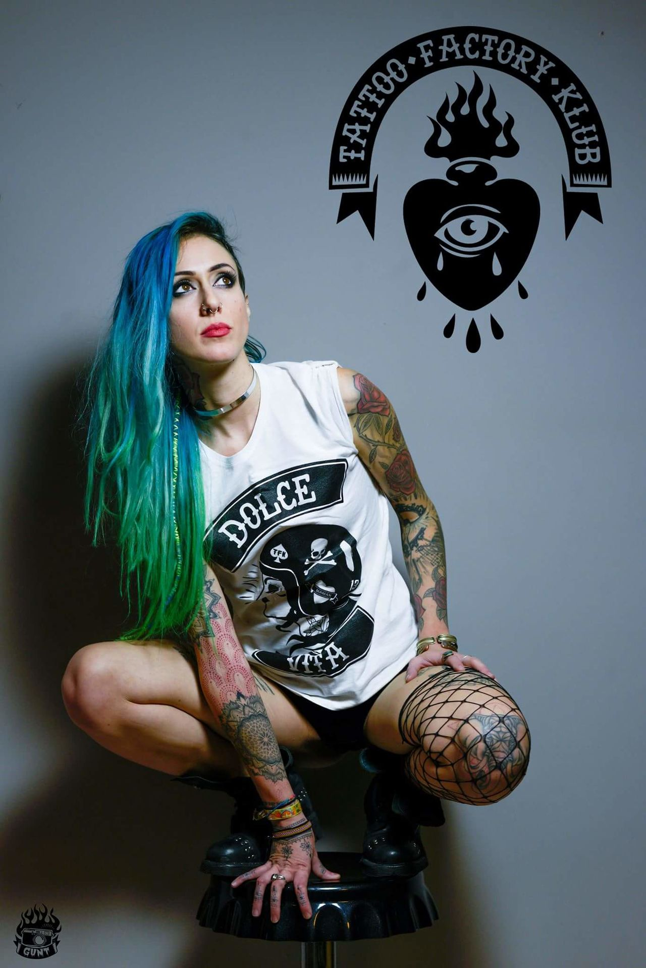Designs Creativity Sexygirl Women Artist Publicity Image Manufactured Street Life Friends Tattoo Factory Klub Tattooed Clothing Beatiful Girl Portrait Guntphotoart Photooftheday Tshirtcollection Hairartist BlueHair Dreadlocks