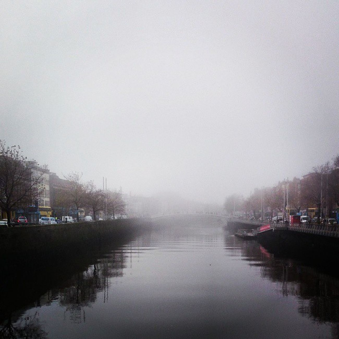 Never seen too much fog in my life! The liffey had disappeared ???? Low Visibility O 'conelle Bridge dublin