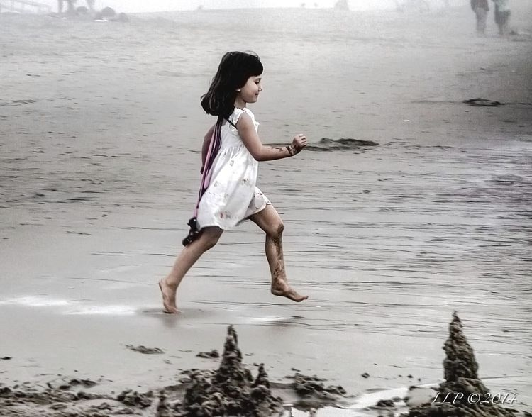 Building A Sand Castle People Life Is A Beach Fog Beachphotography Julia On The Beach