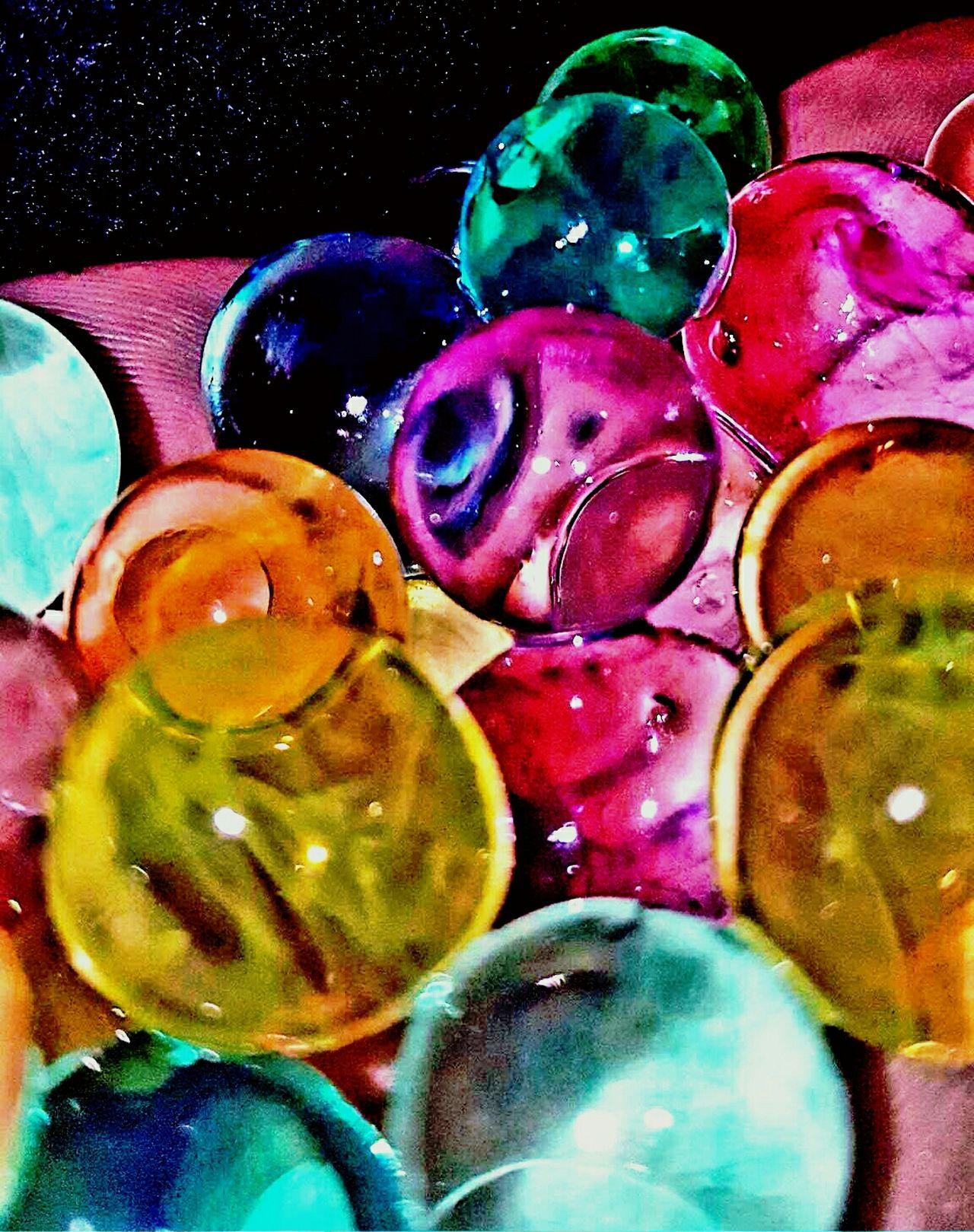 Calming water balls. They looked fake. Calming Balls Reality Looks Fake Water Balls Color Explosion