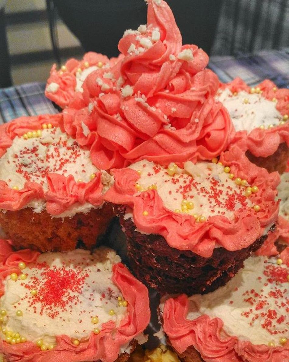 Our masterpiece. The messy or abstract or call what you want cupcake. It's our first time designing a cupcake. 😂 We may have lose the contest but the experience was worth it. Lol Cupcake Toblerone Sweets Dessert Cheflife Chefstudent Baking Pink SugarRush