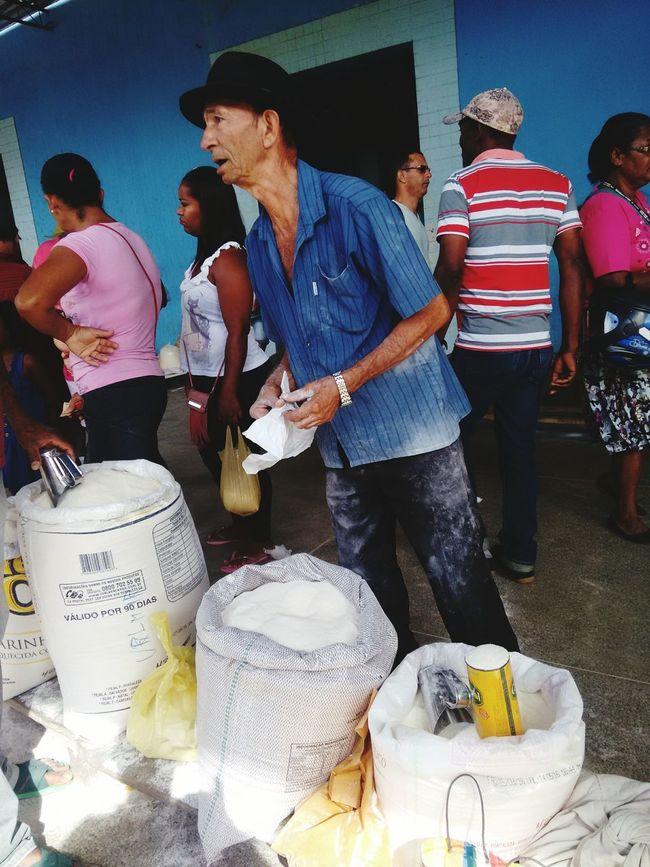 Vendedor de Farinha em Jiquiriçá, Bahia, Brasil. Bahia/brazil Brazil Food People Adult Person Vertical Indoors  Standing Brasildosmeusolhos_
