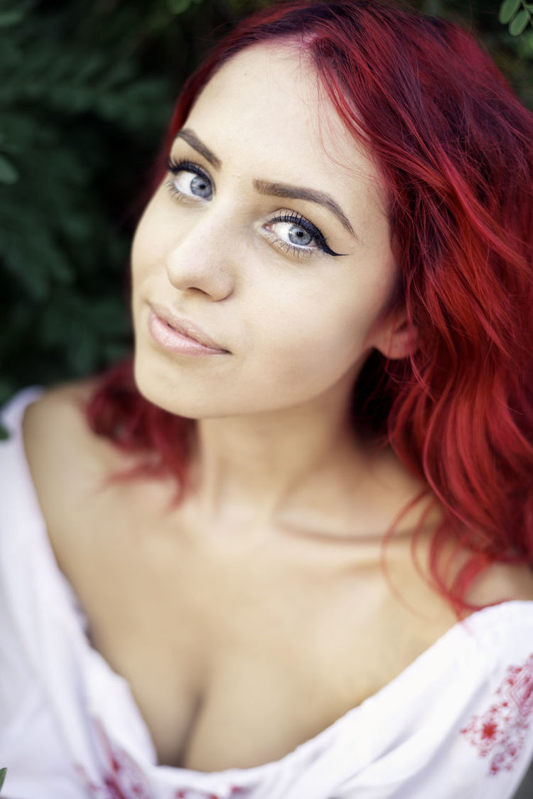 Beautiful Girl Beauty Close-up Eyes Eyes Watching You Headshot Human Face Long Hair Person Portrait Red Hair Red Hair ❤ Womanity  Young Women