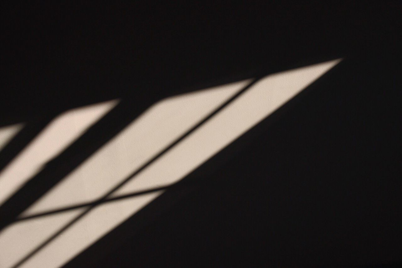 Studio Shot Black Background Paper Black Color No People Close-up Day Sun Contour Contours Lighting Sunlight Contrast Canon Canon70d Wall Black Background