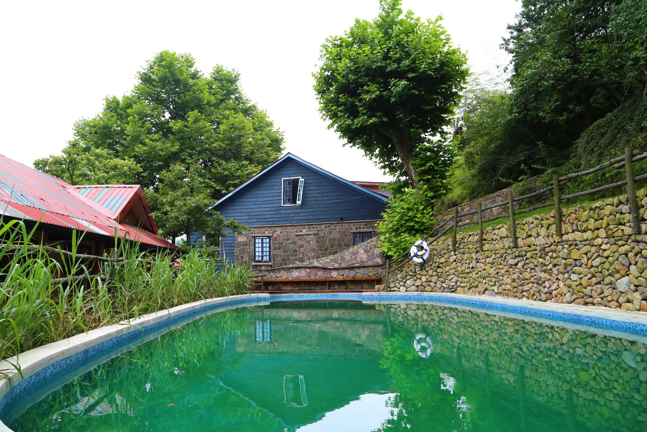 In The Swiming Pool Hotel 莫干山