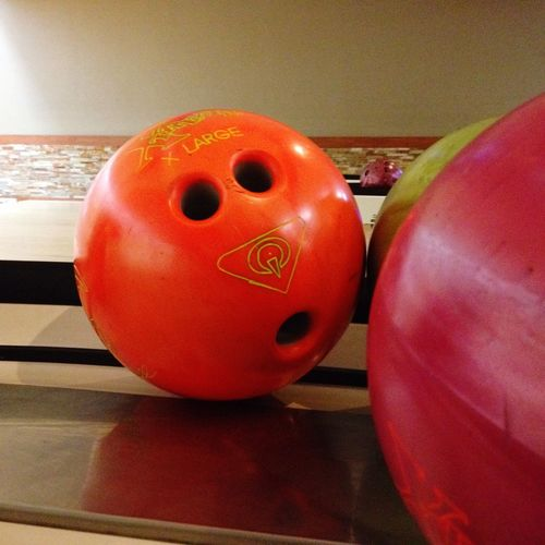 You want to put your fingers WHERE?! Bowling Bowlingball I See Faces Facesonthings Bright Colors Shocked Shocked Face