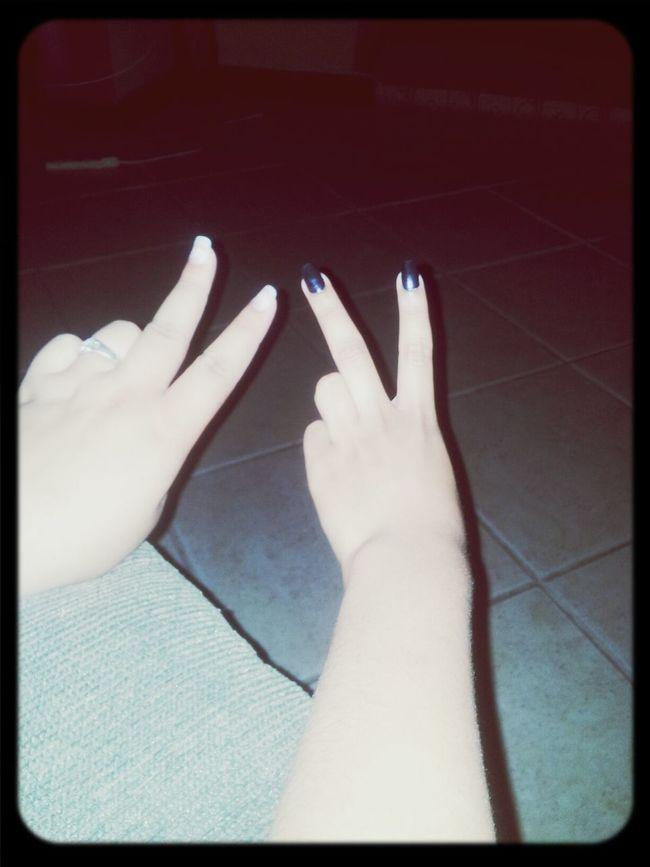 Peace ✌ Love Chillin With My Cousin My Nails Black - Mis Uñas Negras Xd