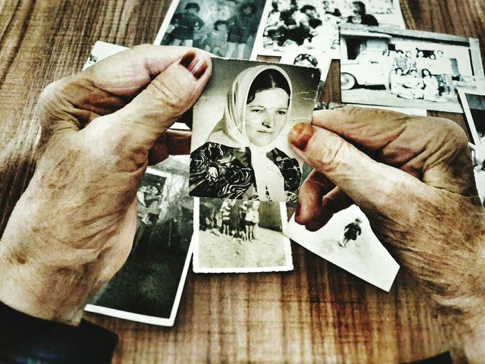 Birzamanlarodagencti People Photography PhonePhotography Old Oldtimes Old Pic  Happy TimeoIPhoneography Grandmother