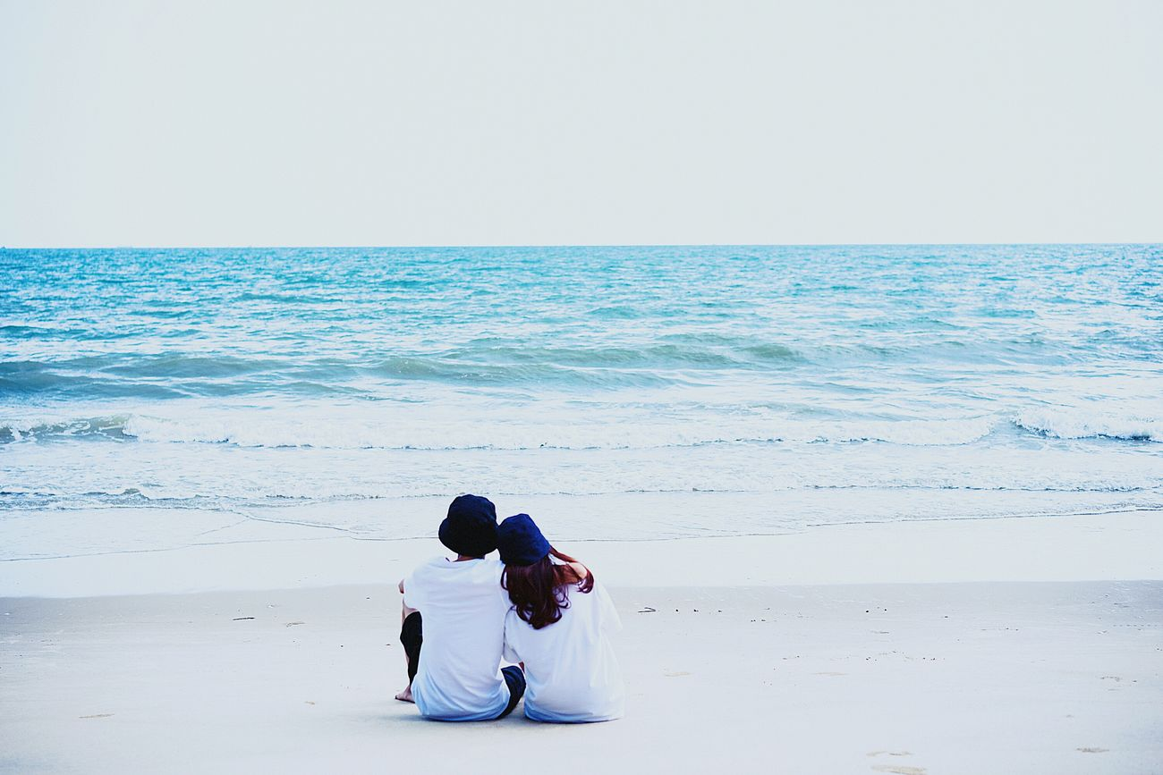 Peaceful with each other!!! Couple Love Withhim Withher On The Beach Sunhine Waves, Ocean, Nature